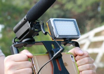 Mikrofon HP untuk Vlog halodoc - mikrofon Takstar SGC 598 350x250 - Halodoc Masuk dalam Daftar 150 Digital Health Paling Menjanjikan Dunia