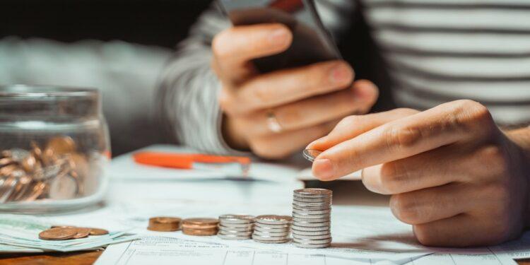 Tips aman memilih pinjaman online. Terapkan agar terhindar ...