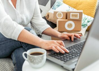 bisnis - young woman working on laptop from home woman with her own online business online shopping one person t20 YEo0WO 350x250 - Teknologi Digital dan Bisnis di Era Revolusi Industri 4.0